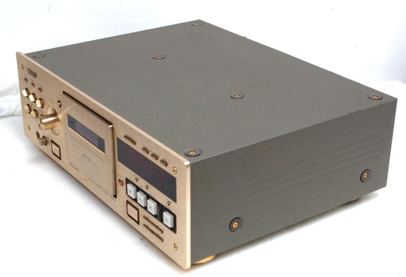 teac-v-8030s-r-cl.jpg
