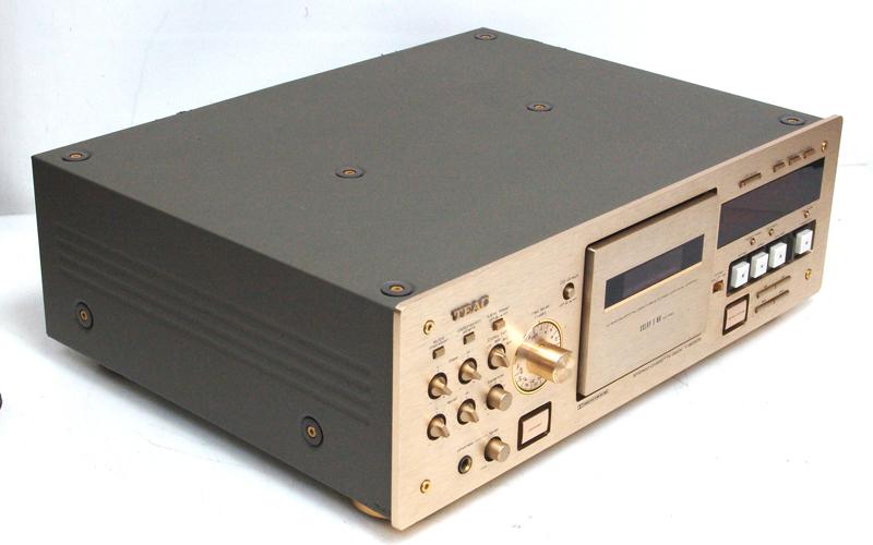 teac-v-8030s-su.jpg