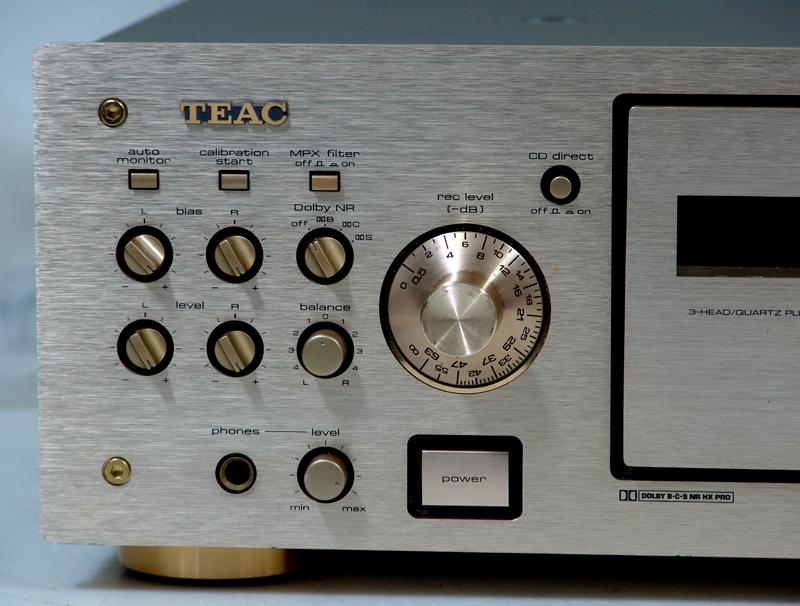 teac-v-8030s-r.jpg