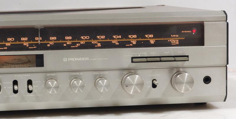 kh-858-w.jpg