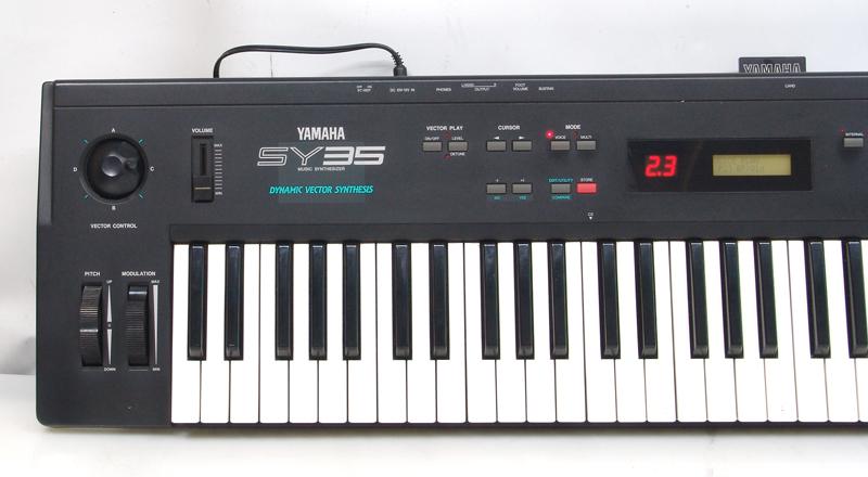 yamaha-sy35-le.jpg