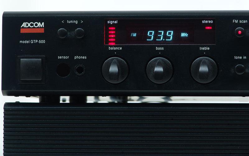 adcom-gtp-500-dis.jpg